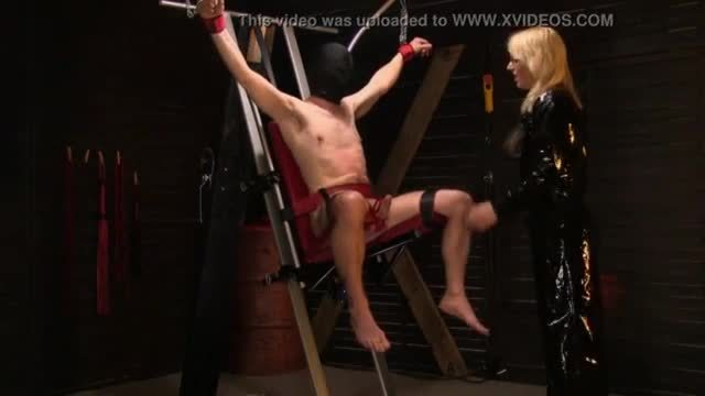 Monicamilf s tower of pain - norsk porno
